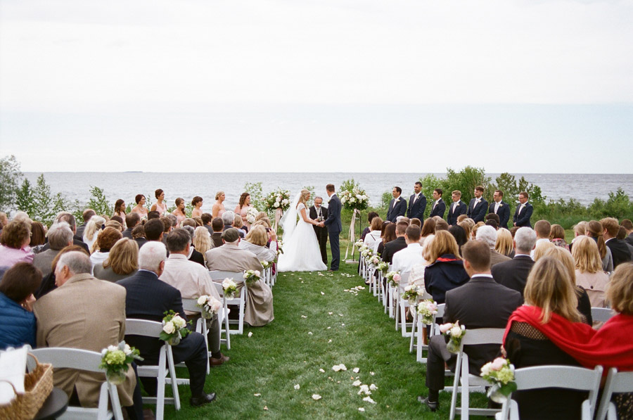 Horseshoe_Bay_Beach_Club_Door_County_Wedding_033.jpg