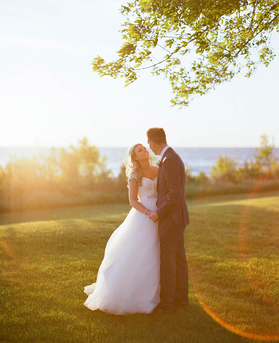 Horseshoe_Bay_Beach_Club_Door_County_Wedding_074.jpg