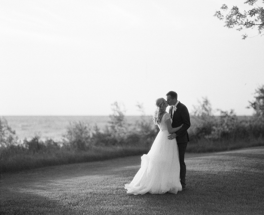 Horseshoe_Bay_Beach_Club_Door_County_Wedding_076.jpg