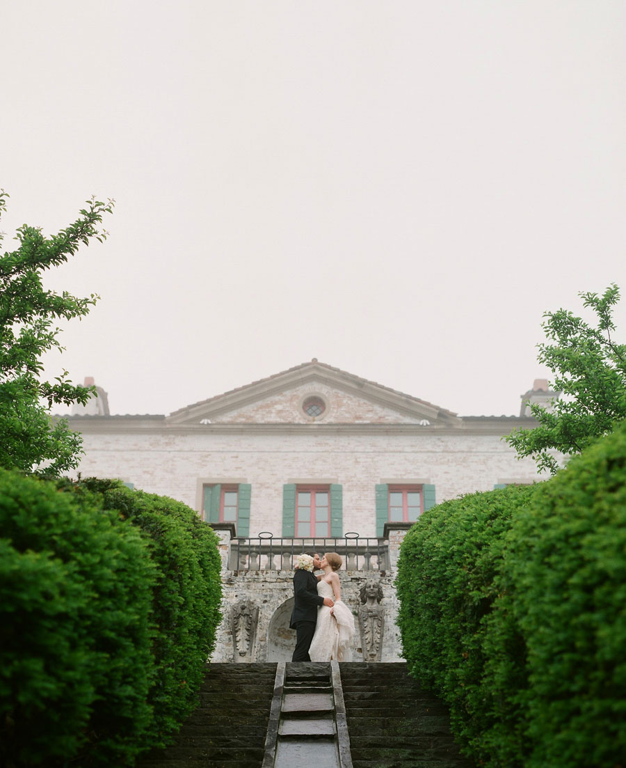 villa terrace bride and groom wedding portrait in Milwaukee