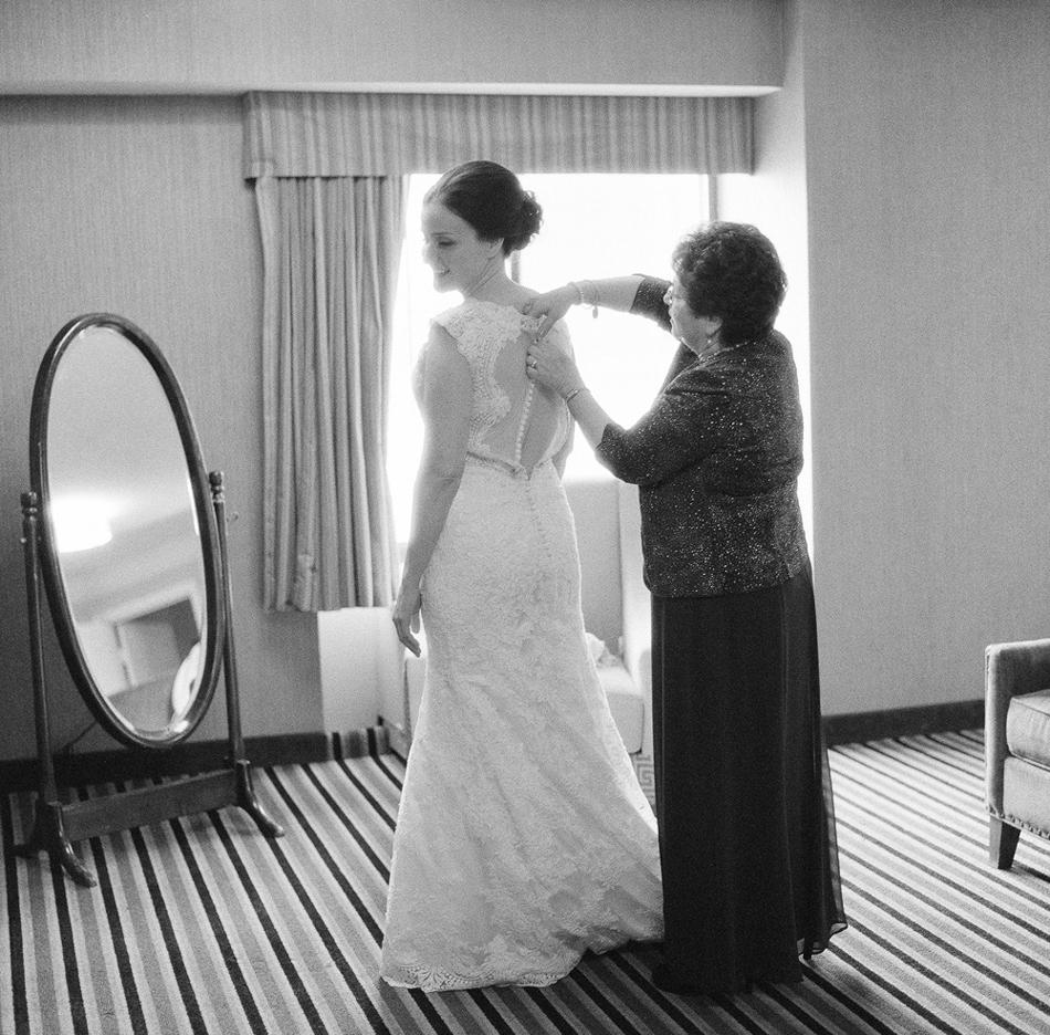 Madison_Wisconsin_Wedding_Photographer_003.jpg
