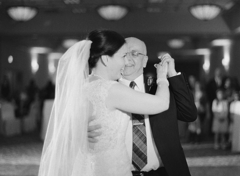 Madison_Wisconsin_Wedding_Photographer_044.jpg