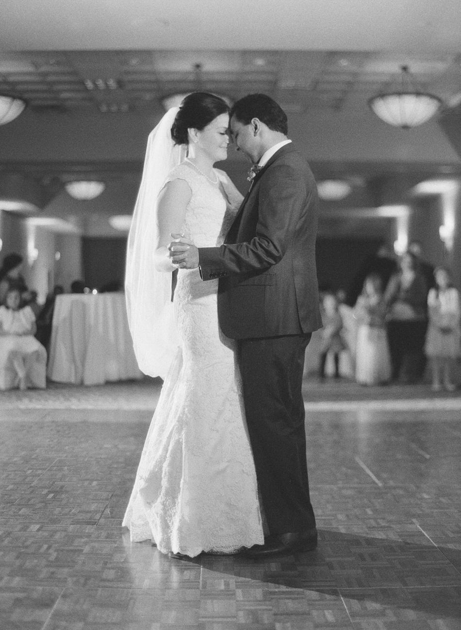 Madison_Wisconsin_Wedding_Photographer_046.jpg
