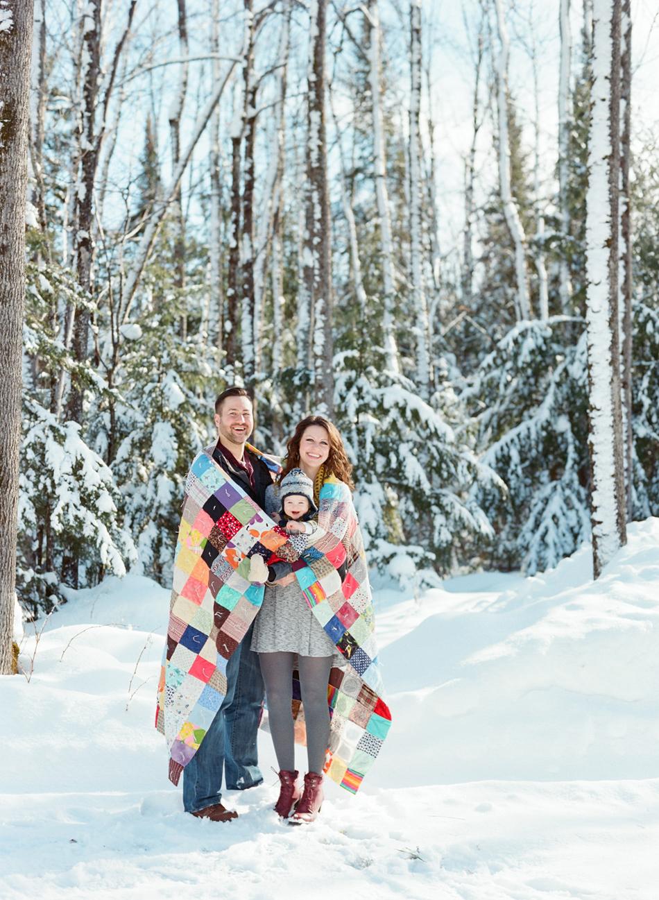 Winter_Family_Photography_Wisconsin_007.jpg