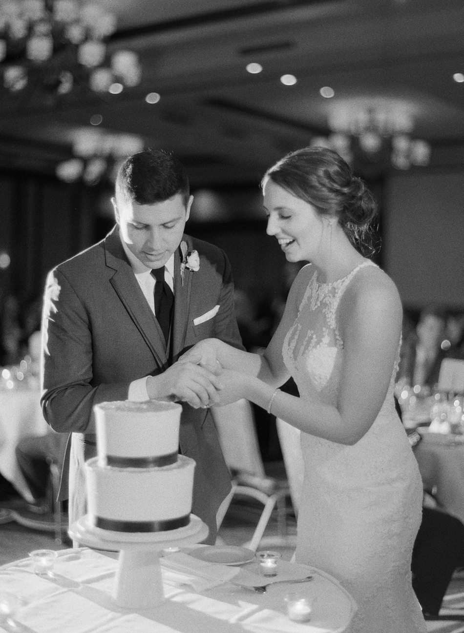 Elkhart_Lake_Wedding_Photographer_045.jpg