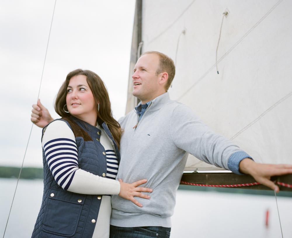 door_county_sailboat_engagement_photos_009.jpg
