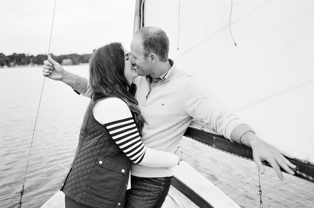 classic-sailboat-engagement-photos