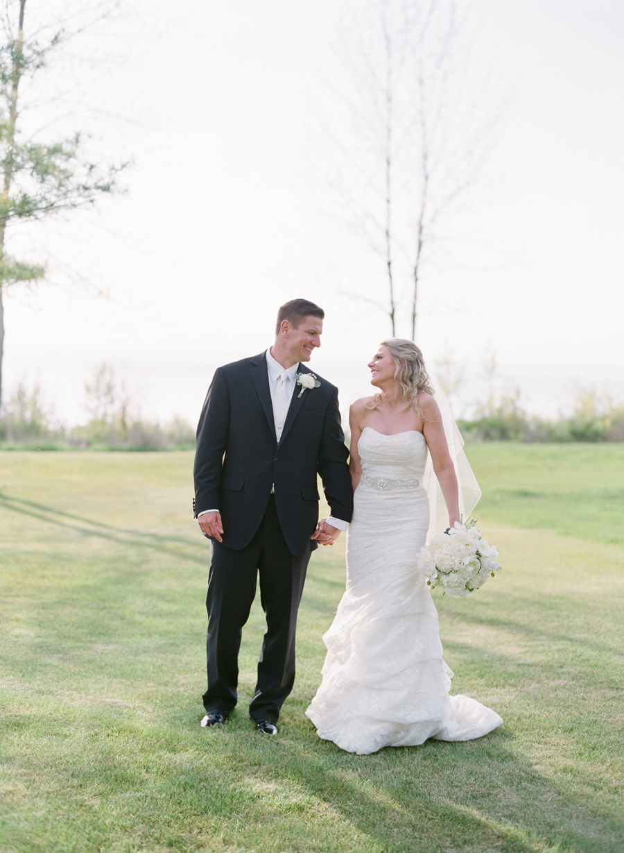 023-door-county-wedding-photographers-horseshoe-bay.JPG