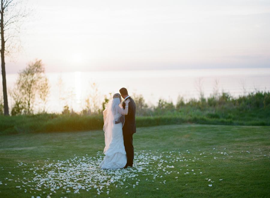 029-door-county-wedding-photographers-horseshoe-bay.JPG