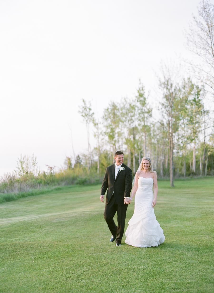 028-door-county-wedding-photographers-horseshoe-bay.JPG