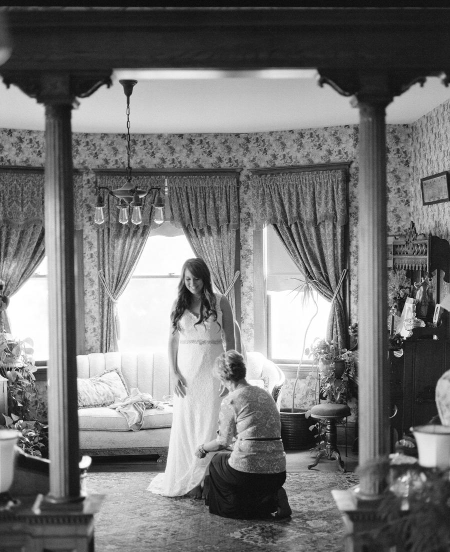 bennet barn wedding bride getting ready
