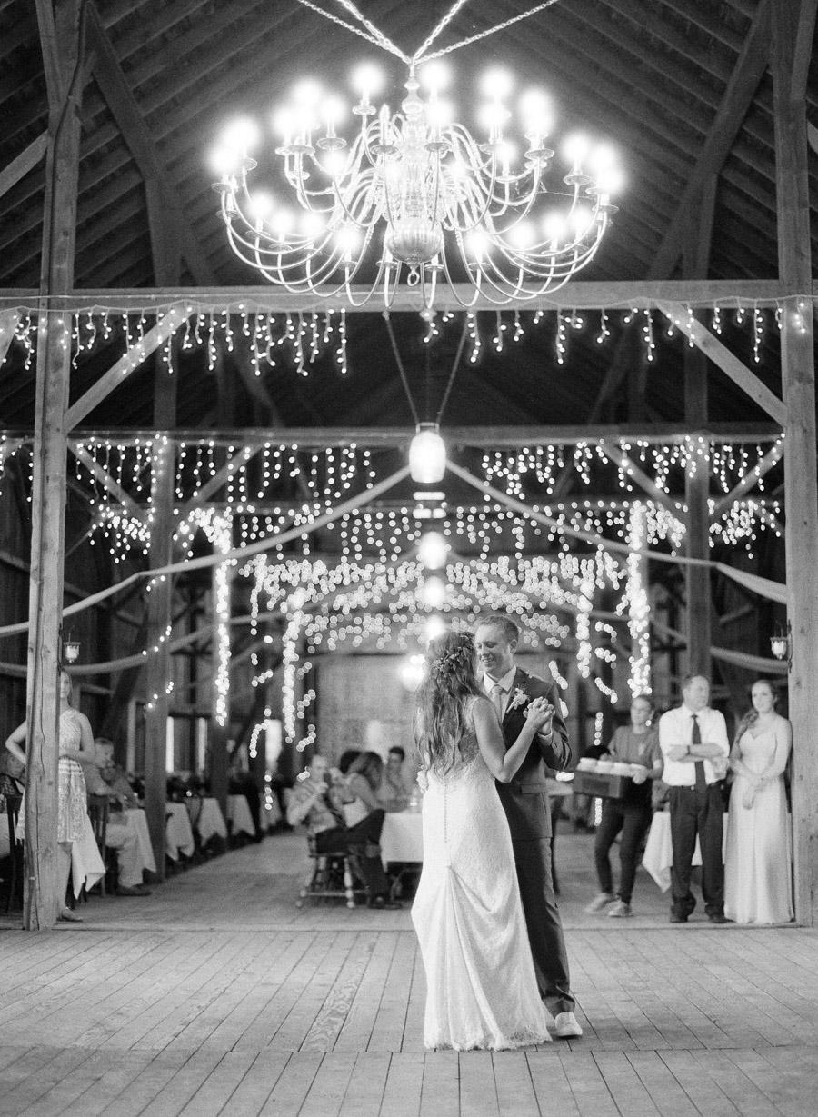 bennet barn wedding first dance