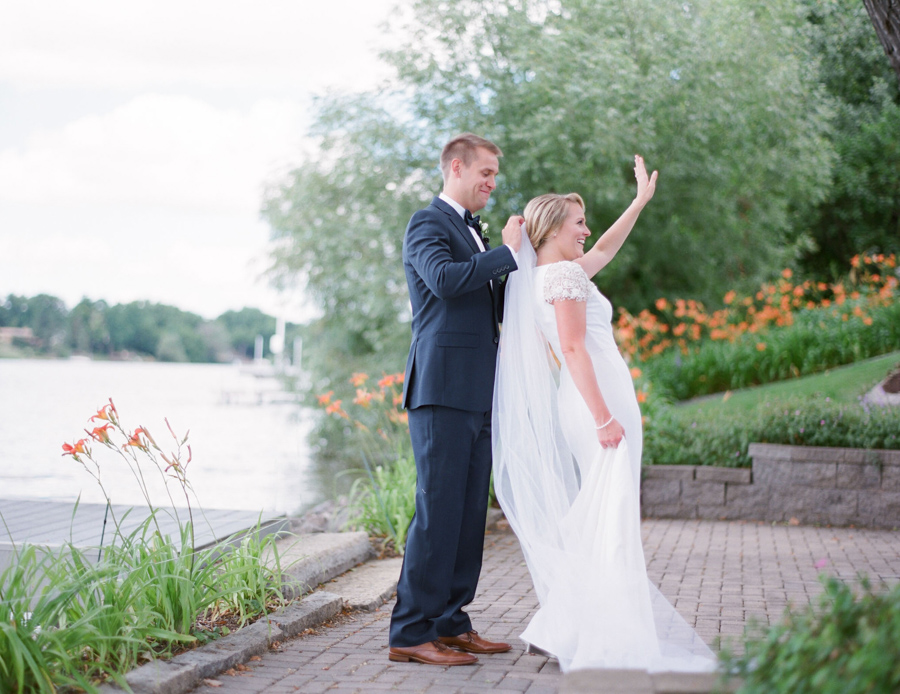 oneida country club wedding first look