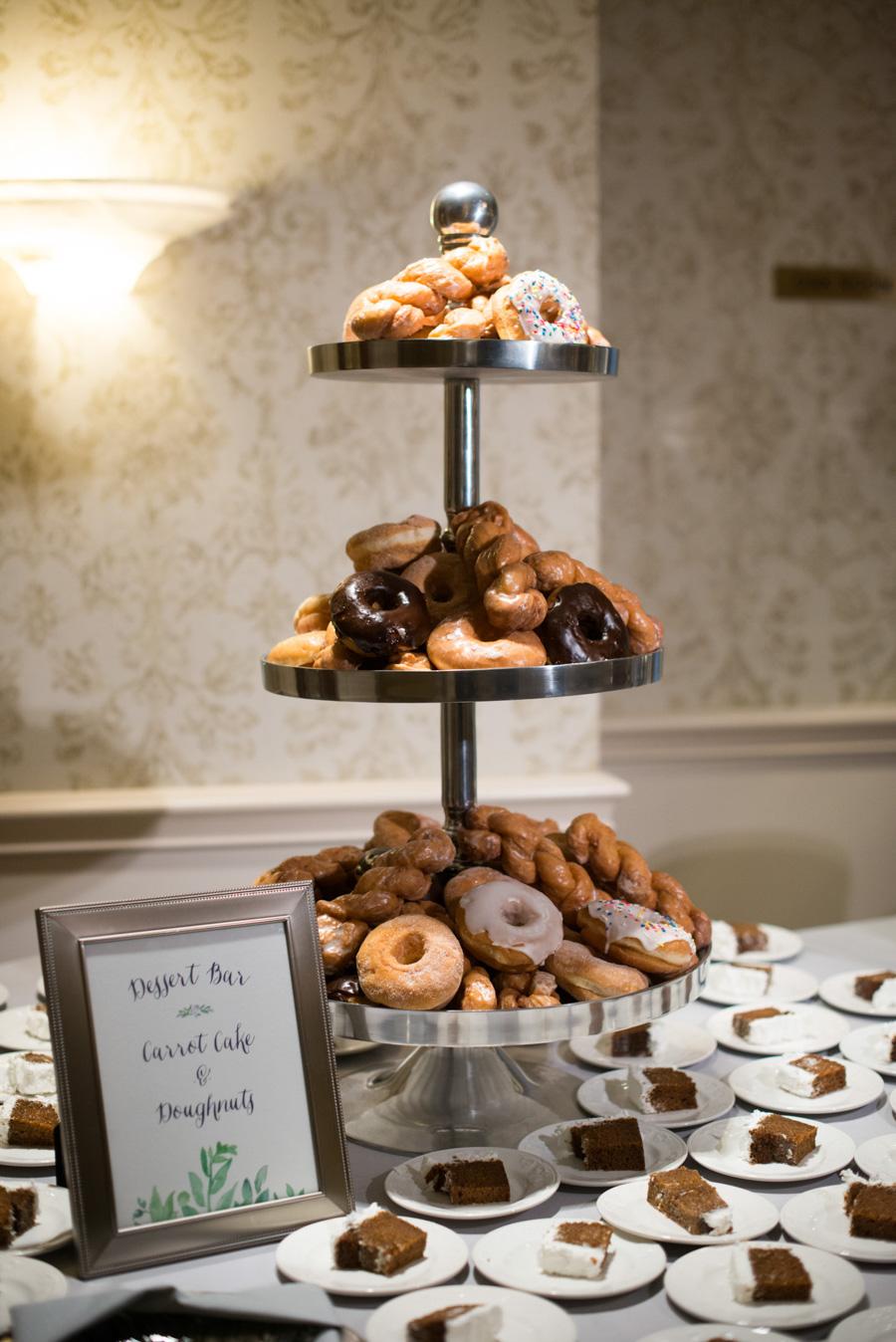 oneida country club wedding donuts