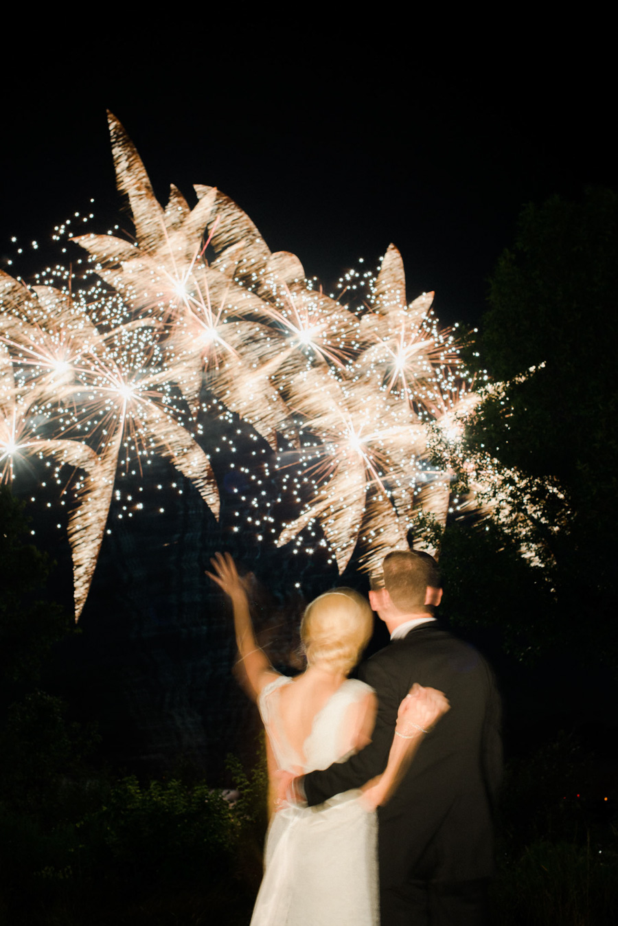 horseshoe bay beach club wedding fireworks