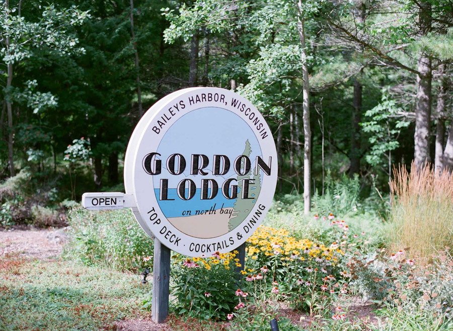042-door-county-gordon-lodge-wedding.jpg