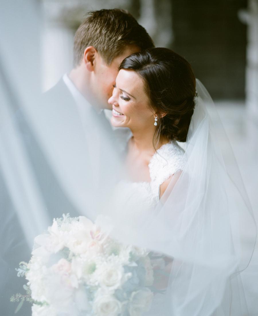039-grain-exchange-milwaukee-wedding.jpg