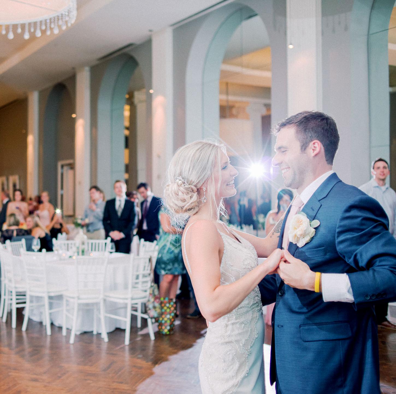 051-calhoun-beach-club-minneapolis-wedding.JPG