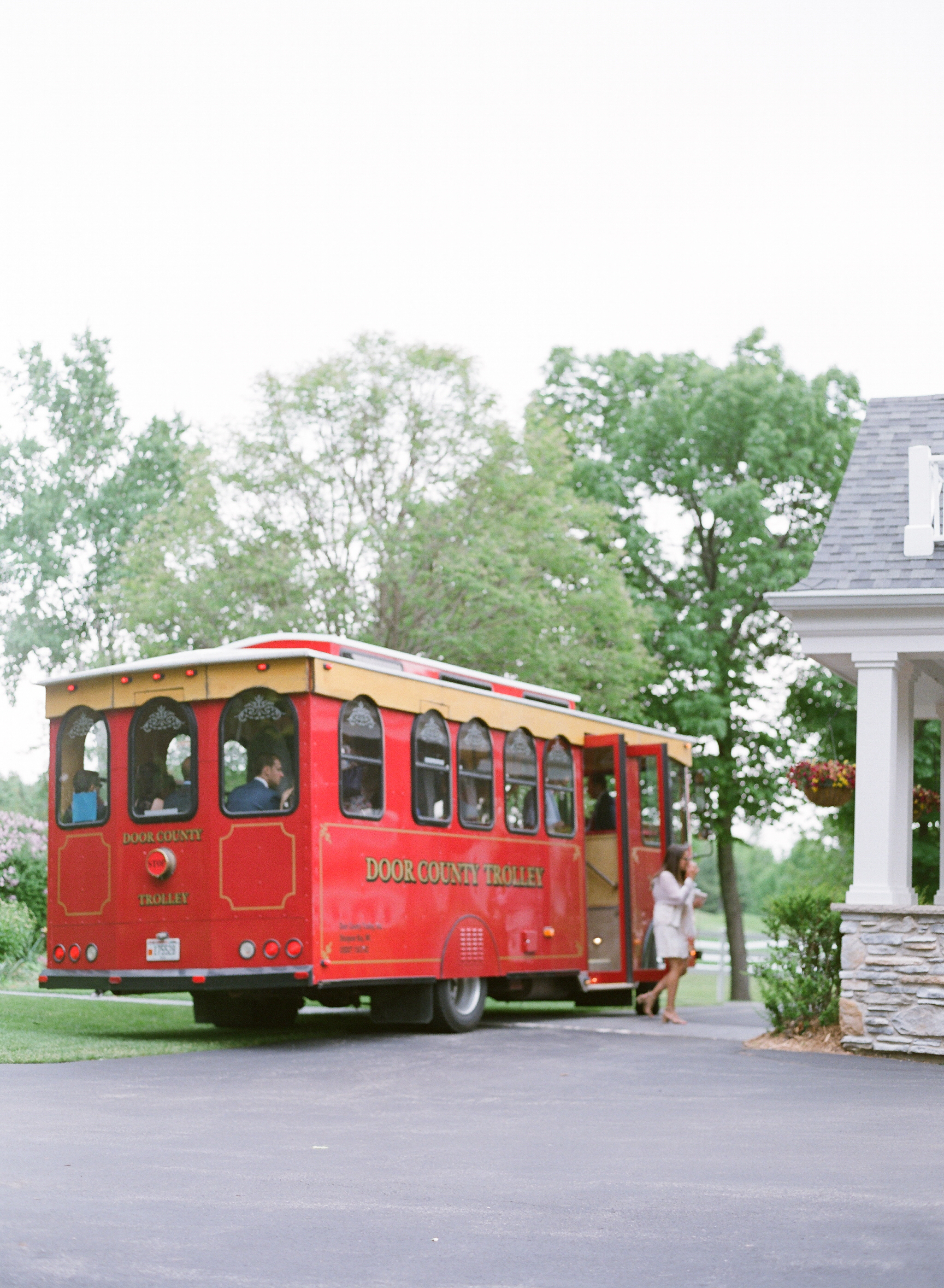 Door County Trolly Company at Horseshoe Bay Golf Club wedding
