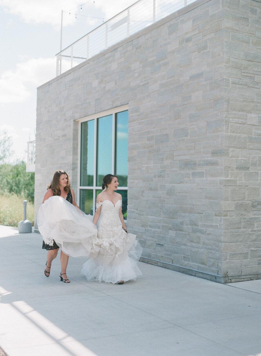 kress-pavilion-door-county-wedding-009.jpg