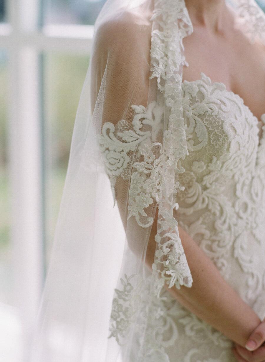 kress-pavilion-door-county-wedding-011.jpg