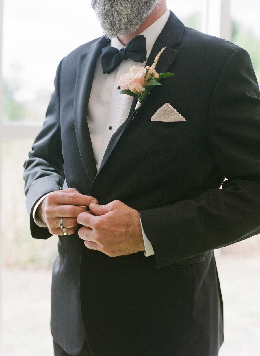 kress-pavilion-door-county-wedding-014.jpg