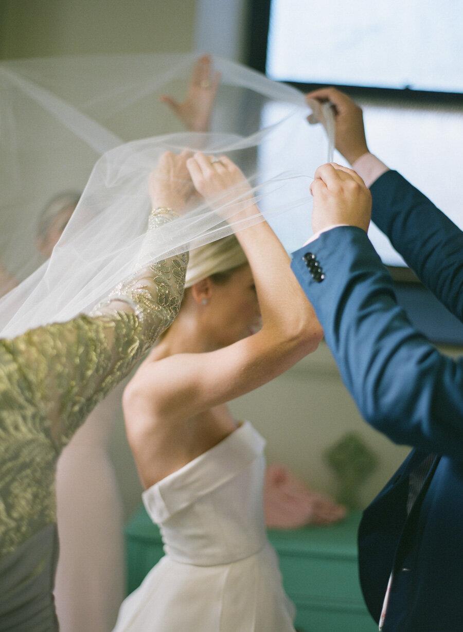 oneida-country-club-gallagher-wedding-006.jpg