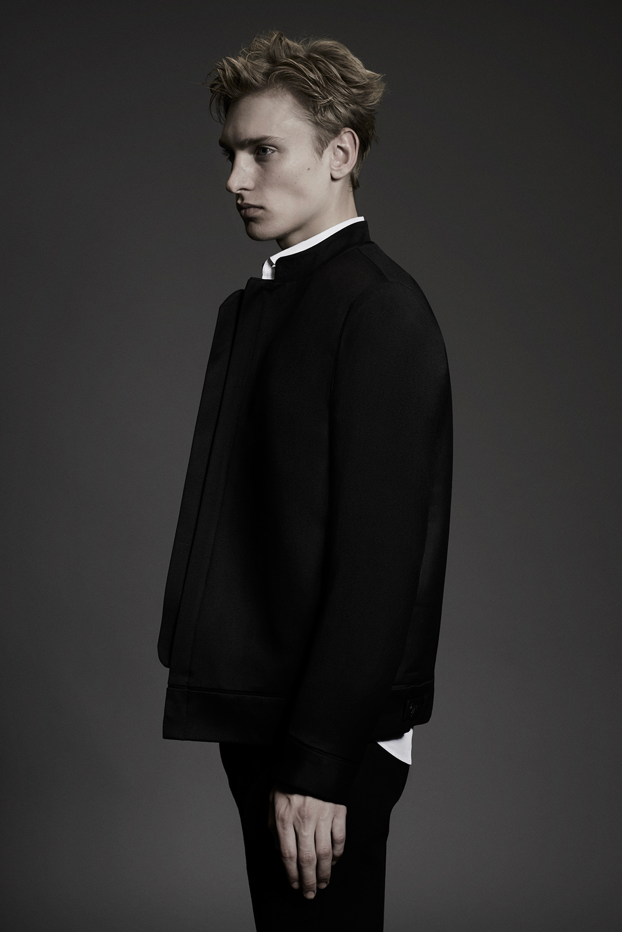 BLOUSON BOMBER Colours: Black 100% Wool Made In England