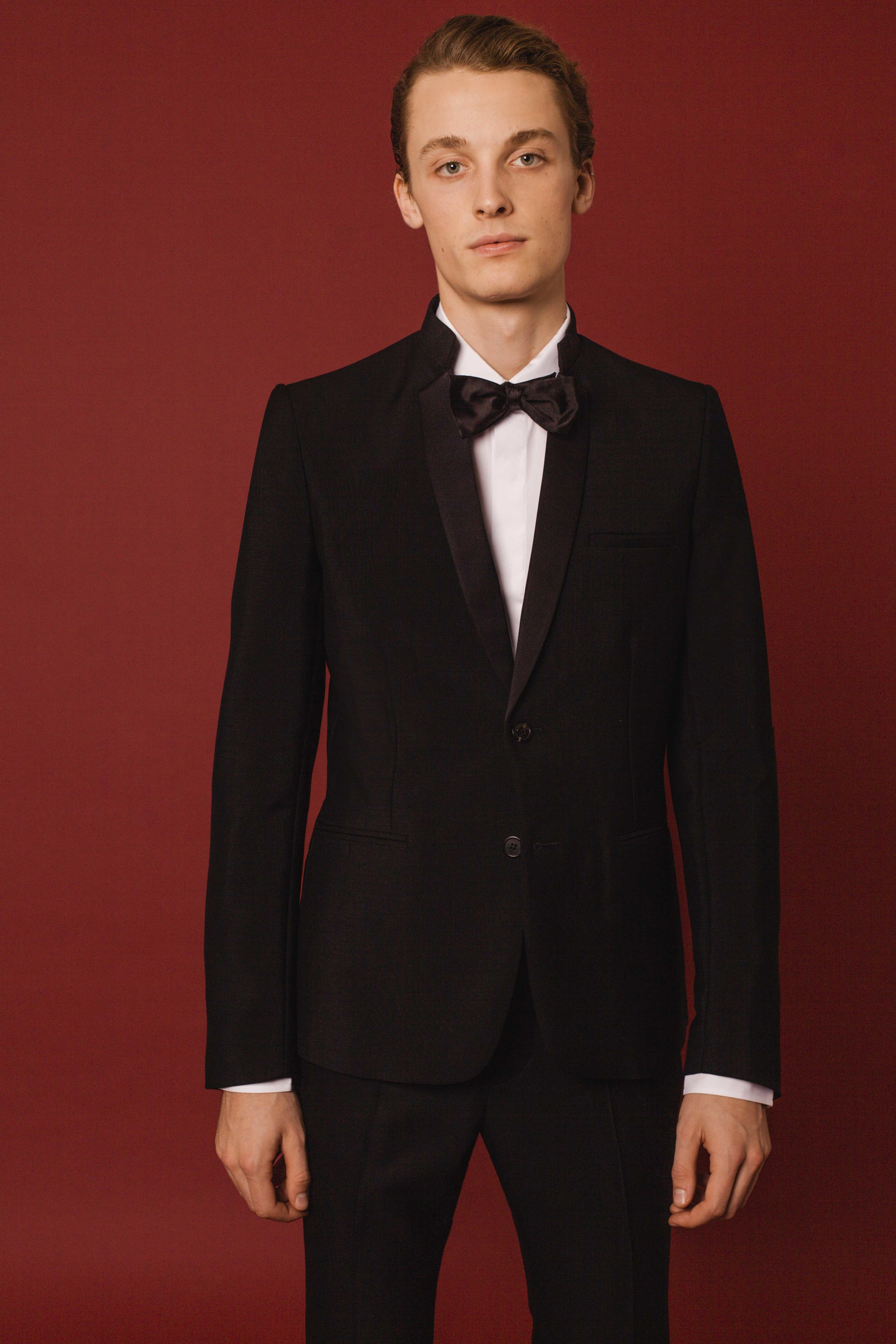 Contemporary tuxedo black  Made in England  Classic shirt white cotton Made in Italy
