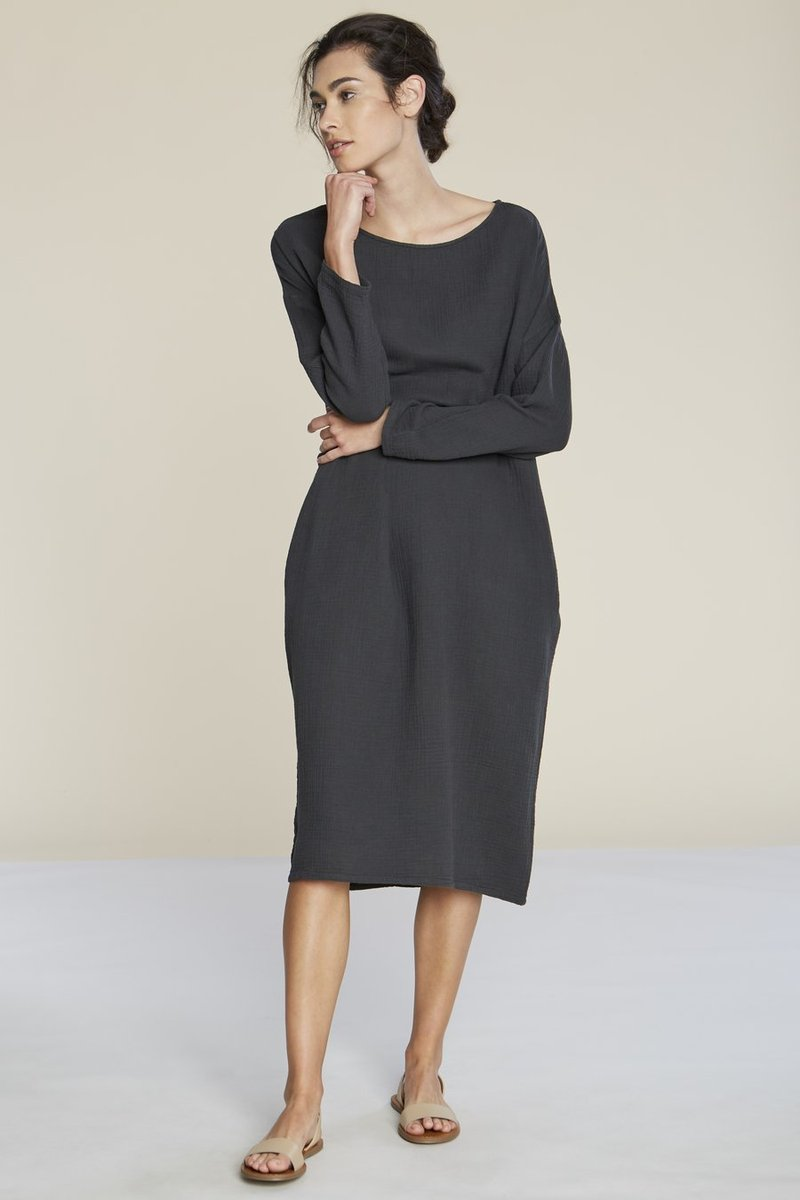 pipe and row filo sophia ava textured cotton midi dress sustainable fashion