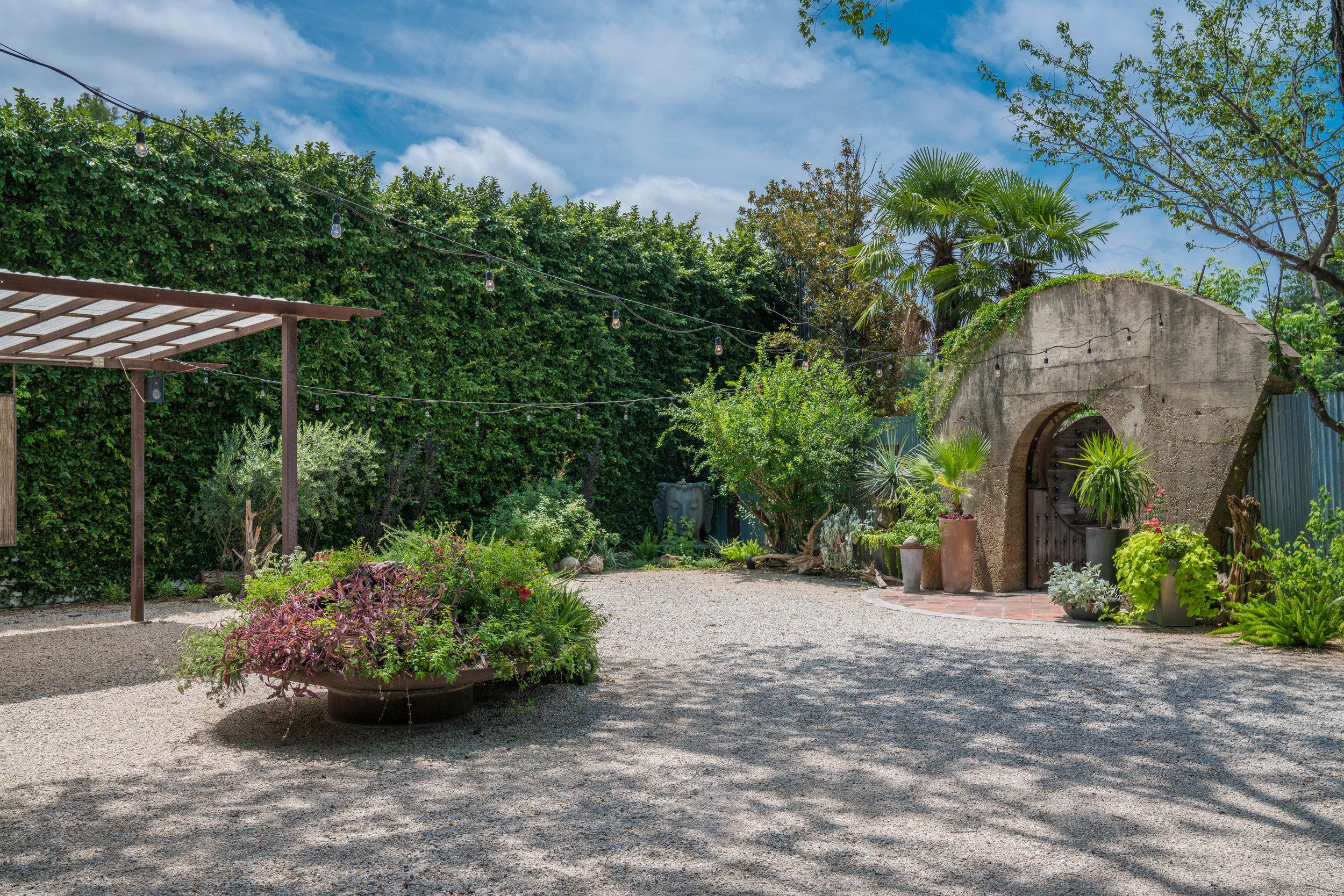 1102-East-Garden-June-2019-01447.jpg
