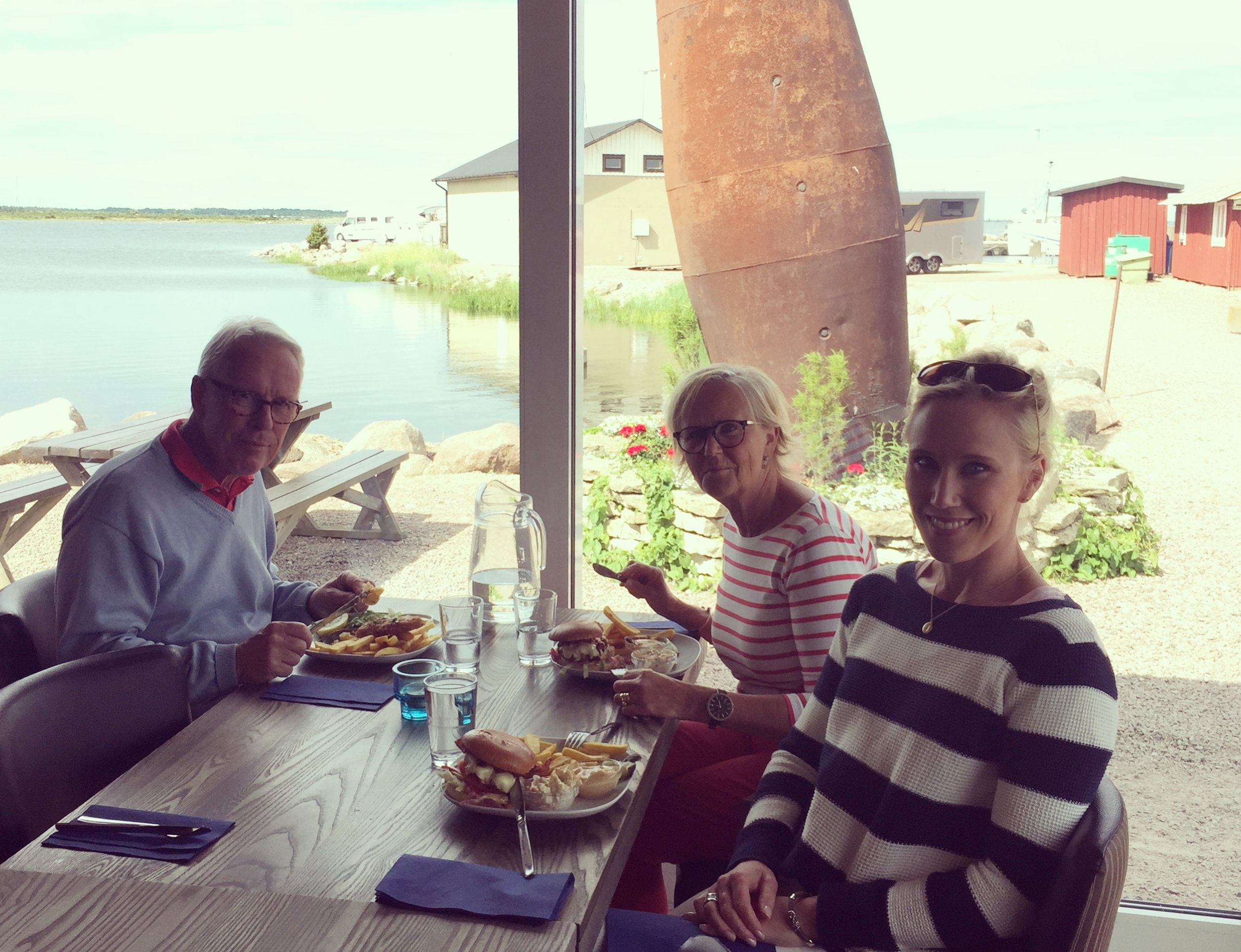 Lunching down at Kårehamn.