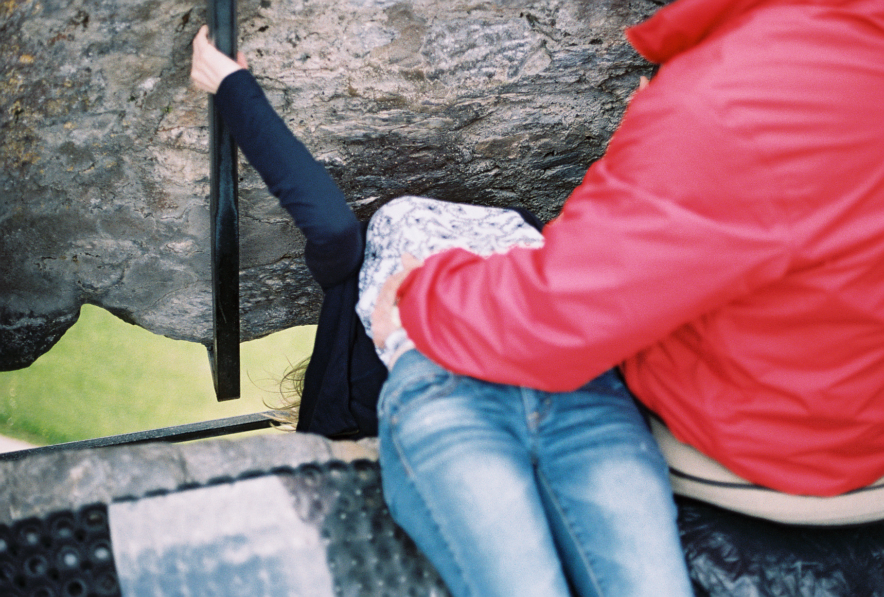 kissing-blarney-stone-ireland-european-honeymoon