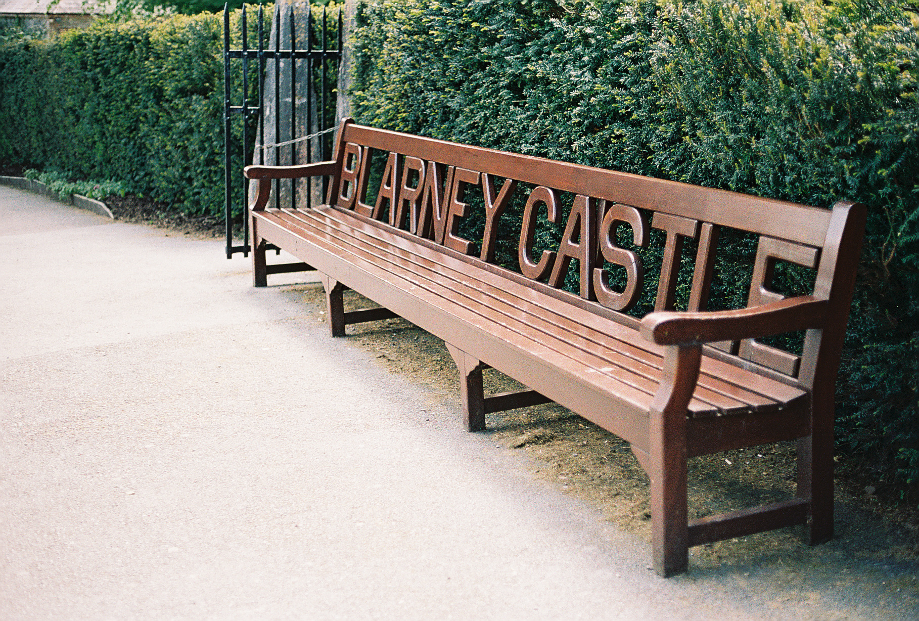 blarney-castle-bench-ireland-european-honeymoon