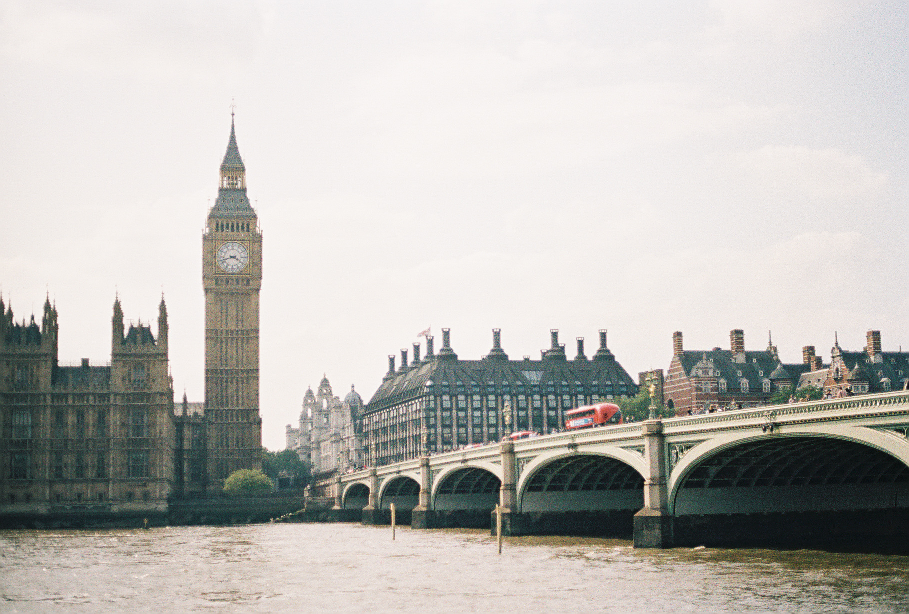 classic-big-ben-westminster-abbey-london-uk-european-honeymoon