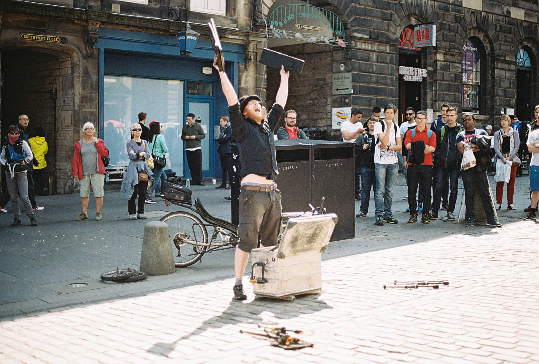 street-performer-juggler-fire-edinburgh-scotland-european-honeymoon