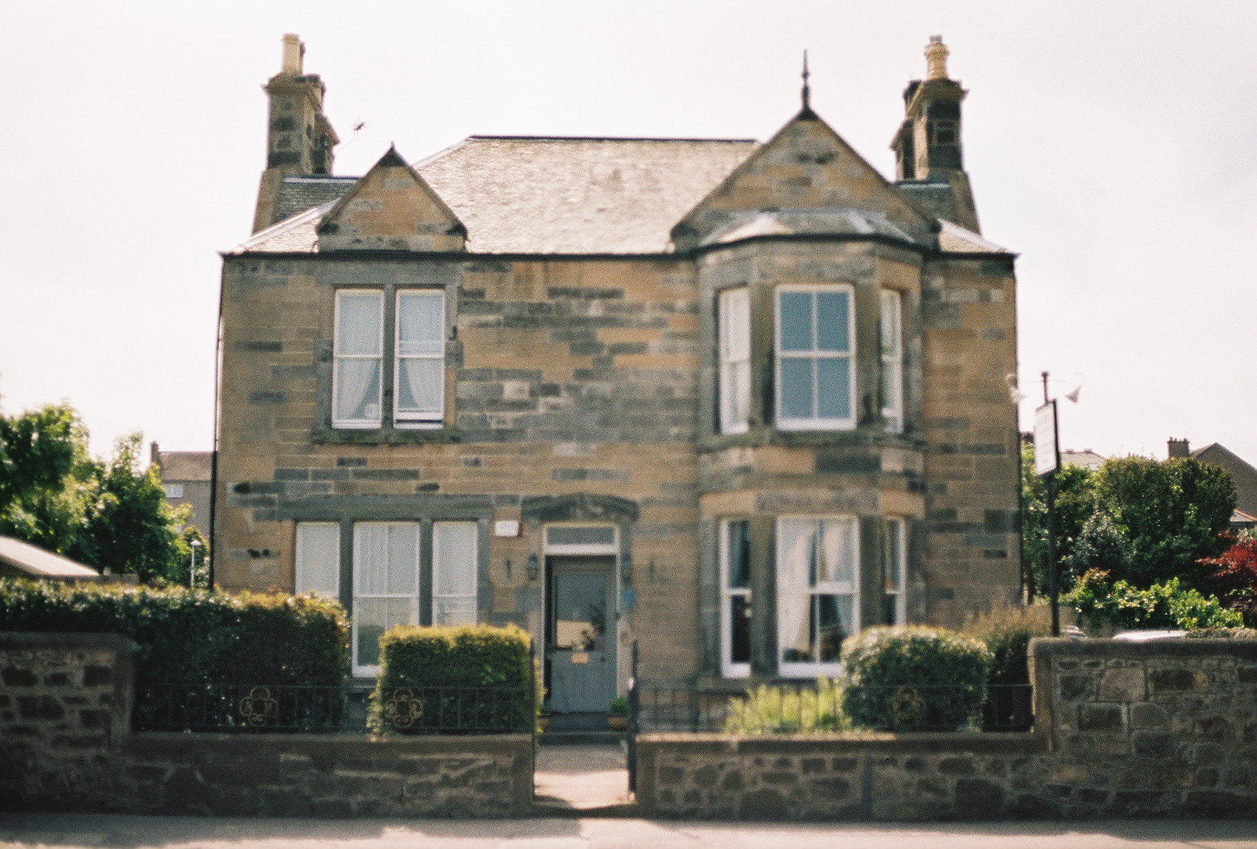 aynetree-guest-house-edinburgh-scotland-european-honeymoon