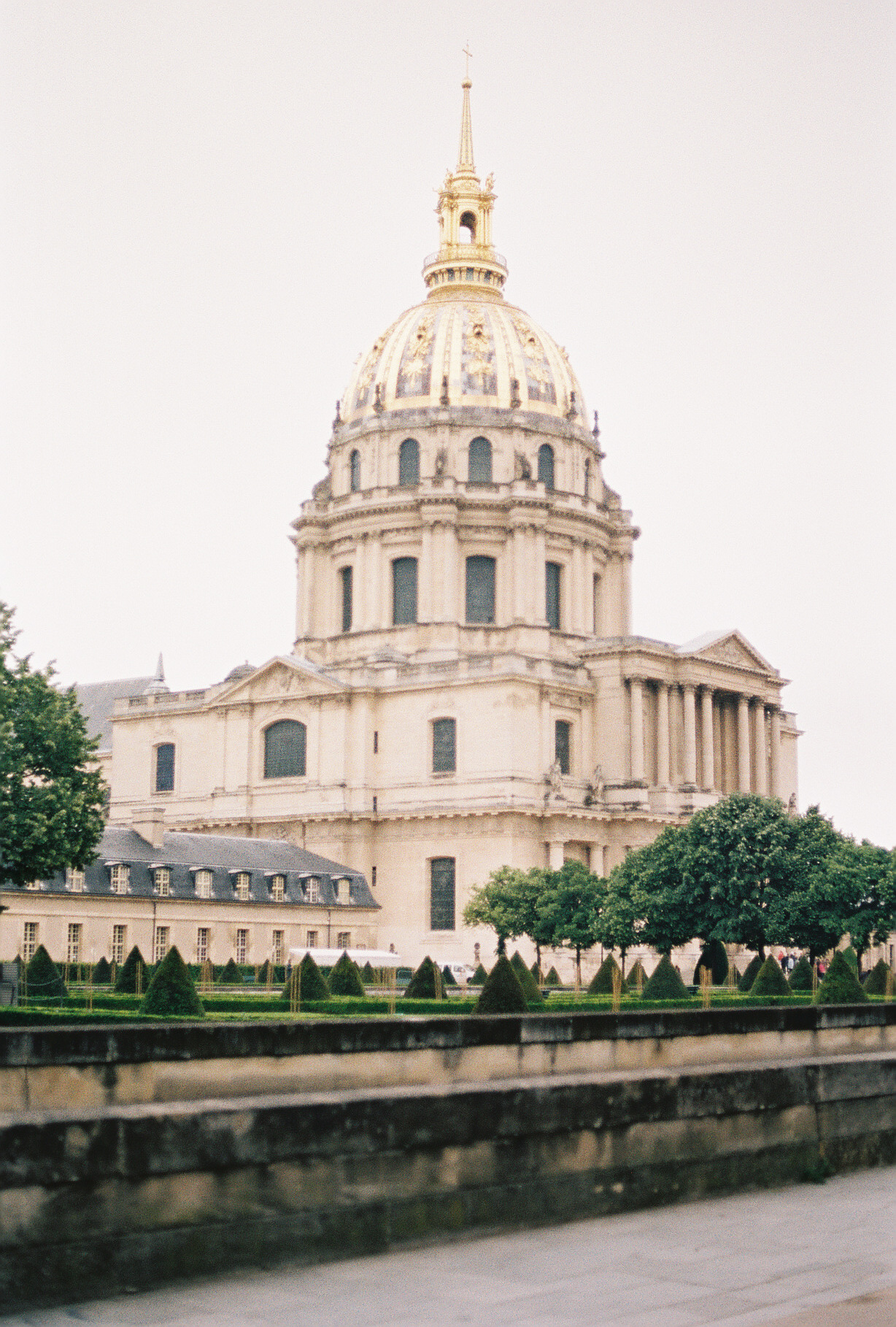 les-invalides-napolean-paris-france-european-honeymoon