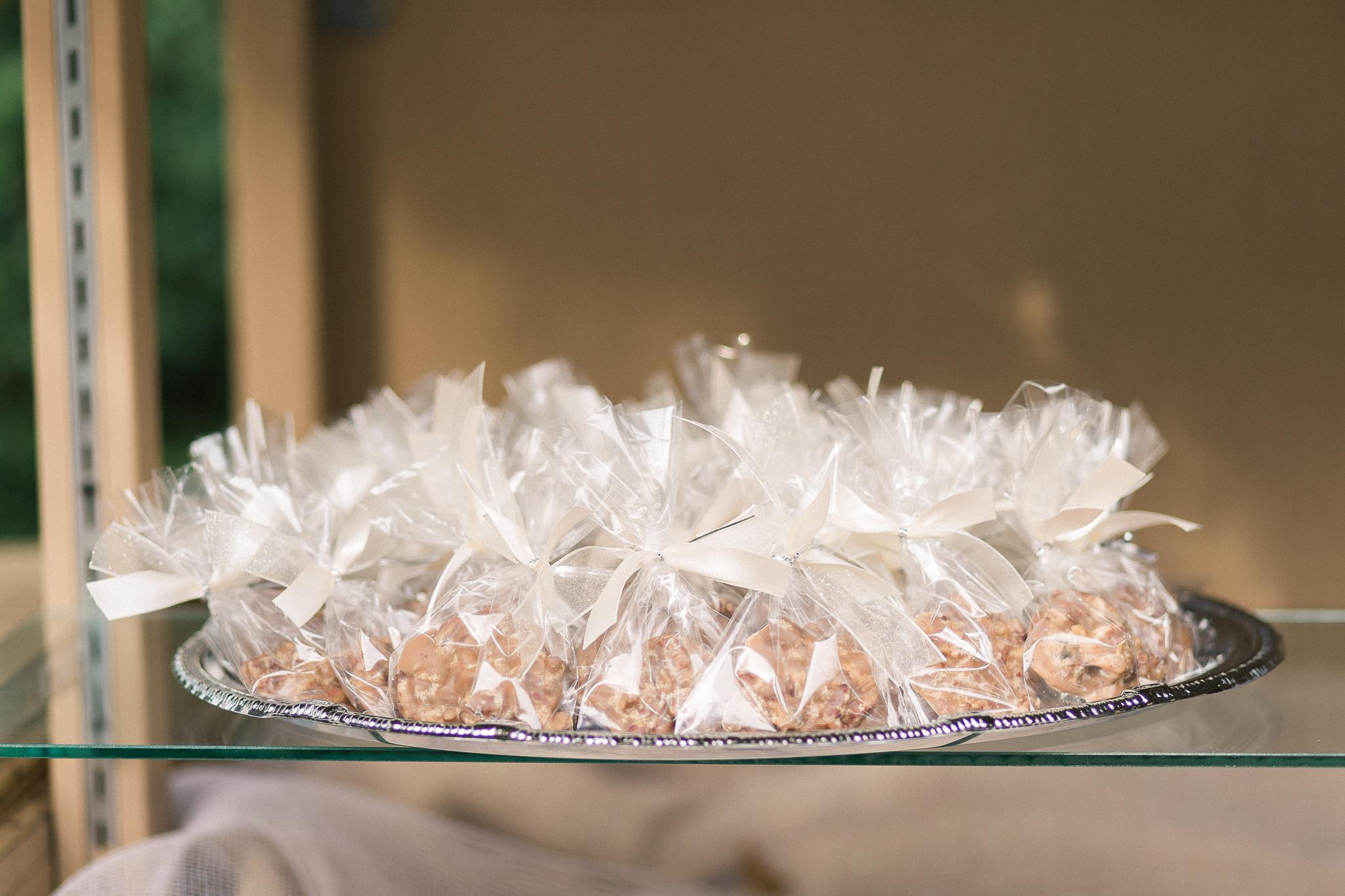 edible-wedding-favors