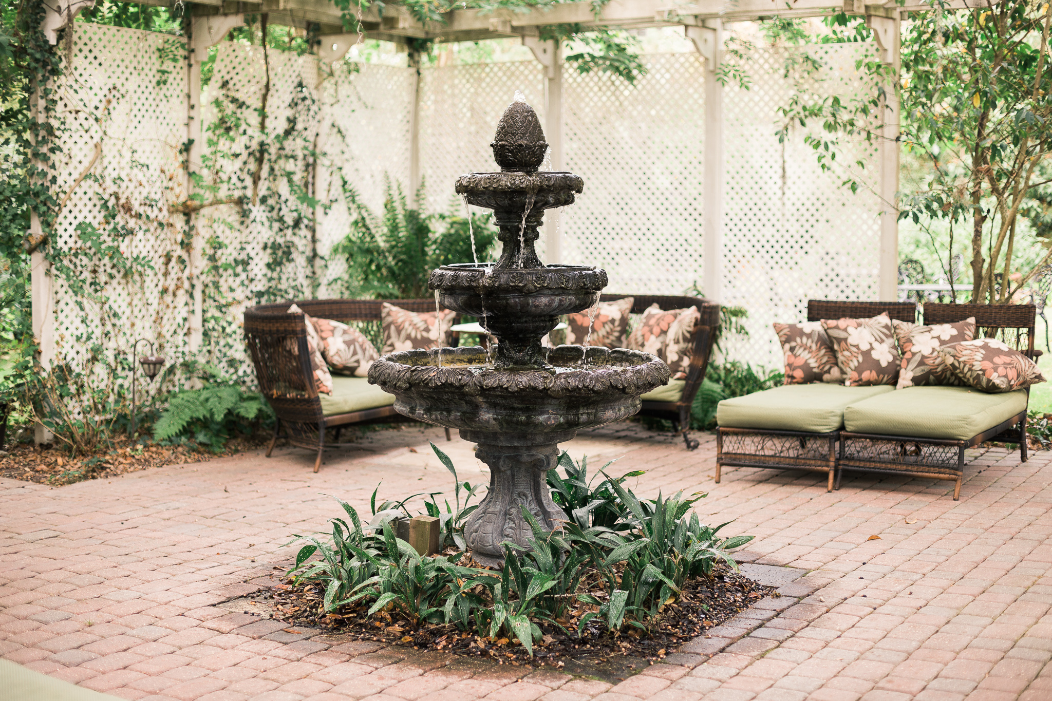 henry-smith-house-fountain