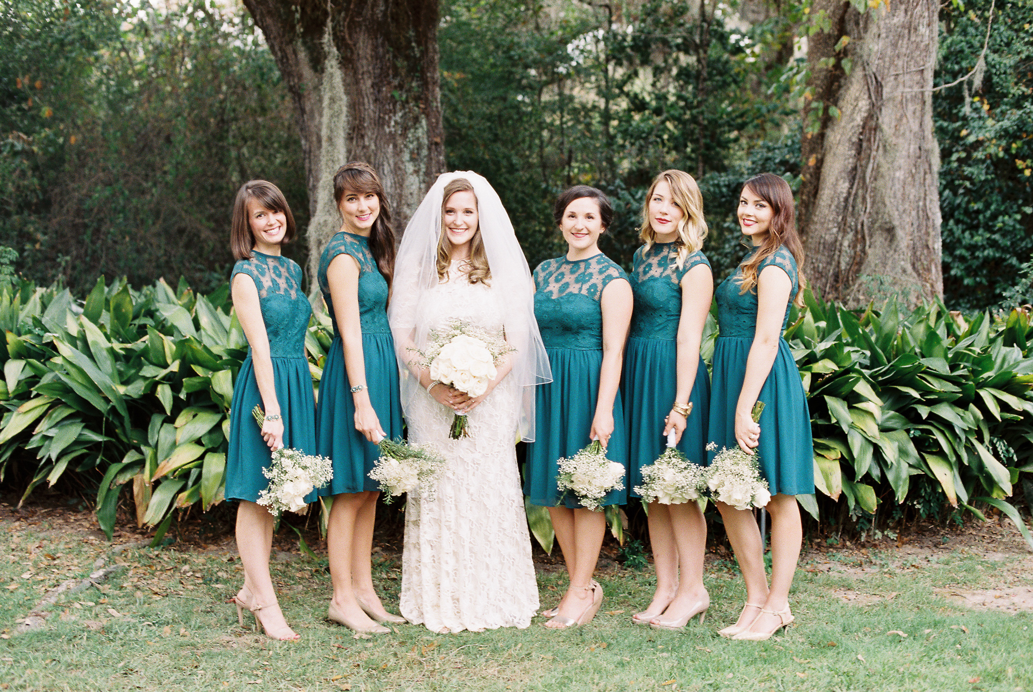 bridal-party-at-the-henry-smith-house