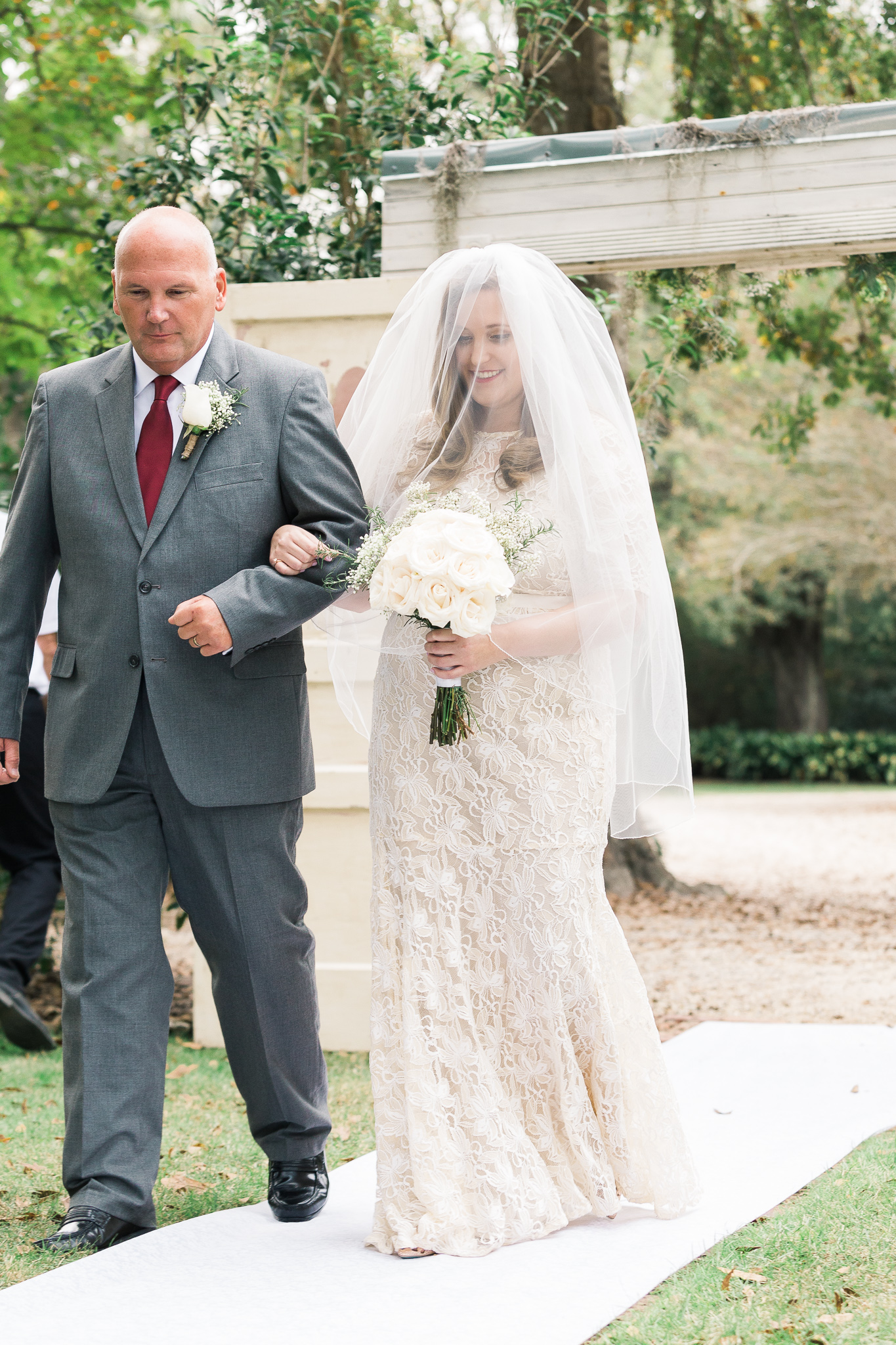 bride-and-dad-walking-down-aisle