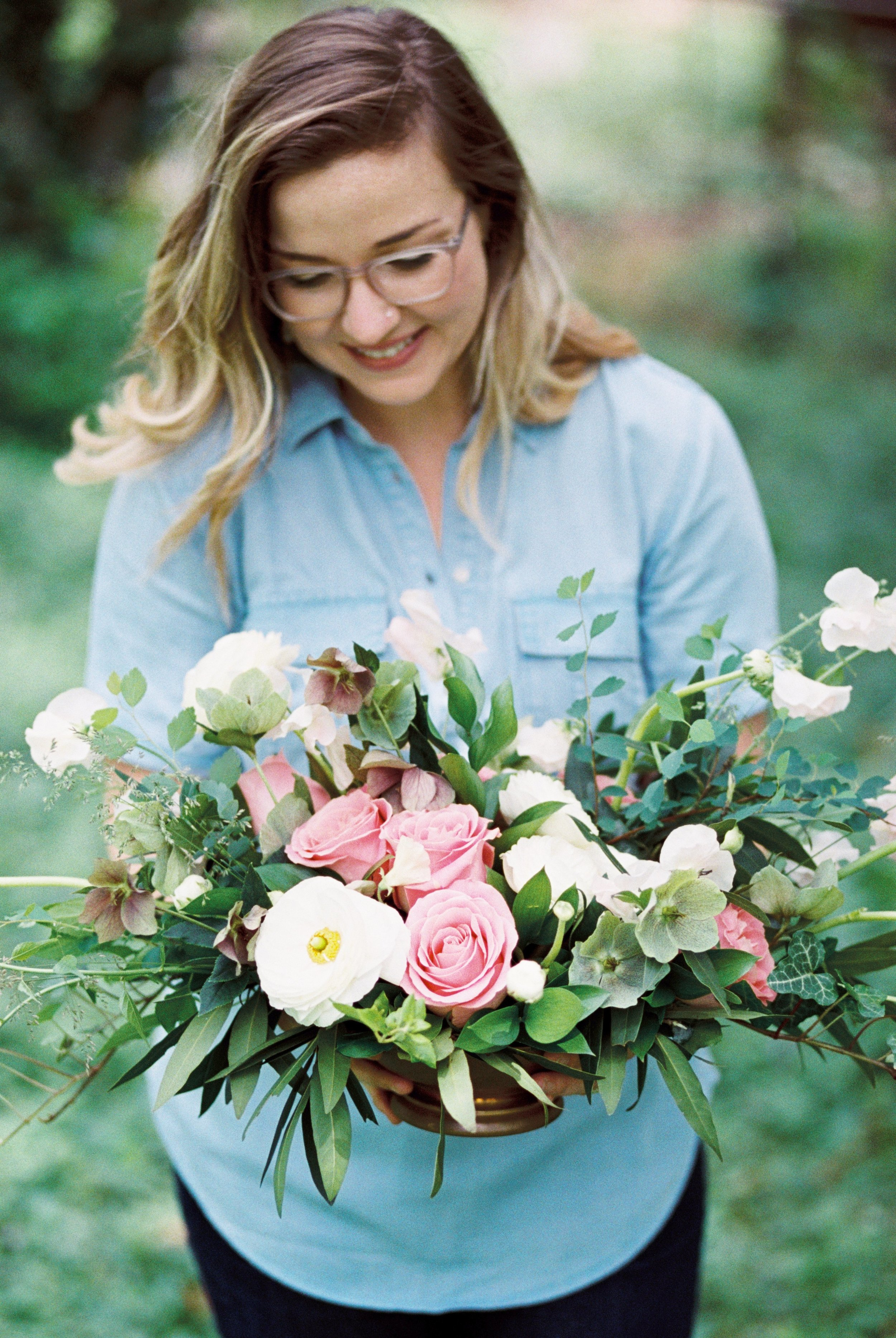 white-and-pink-roses-wedding-centerpiece-dc-florist
