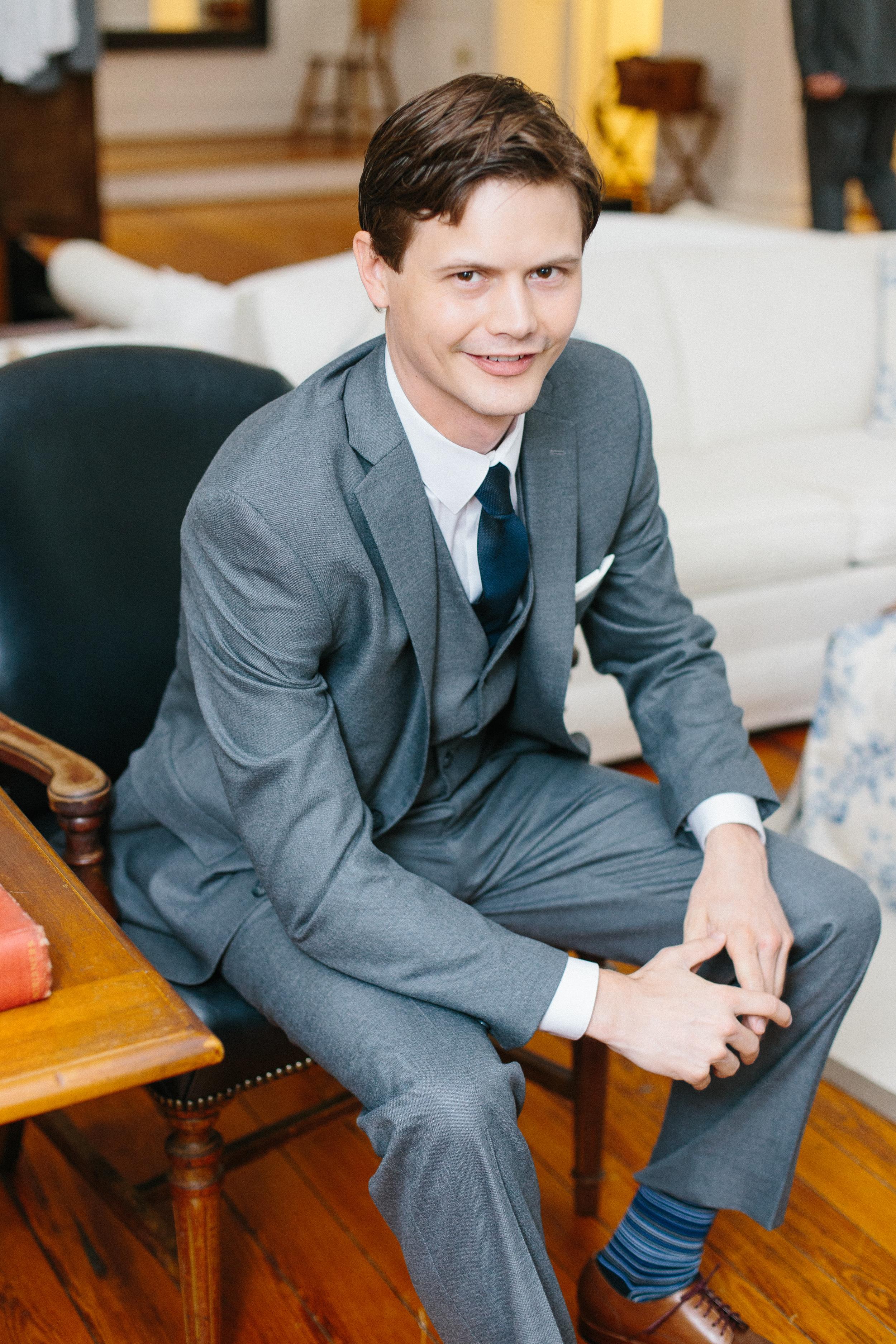 groom-wedding-day-portrait-waterford-virginia