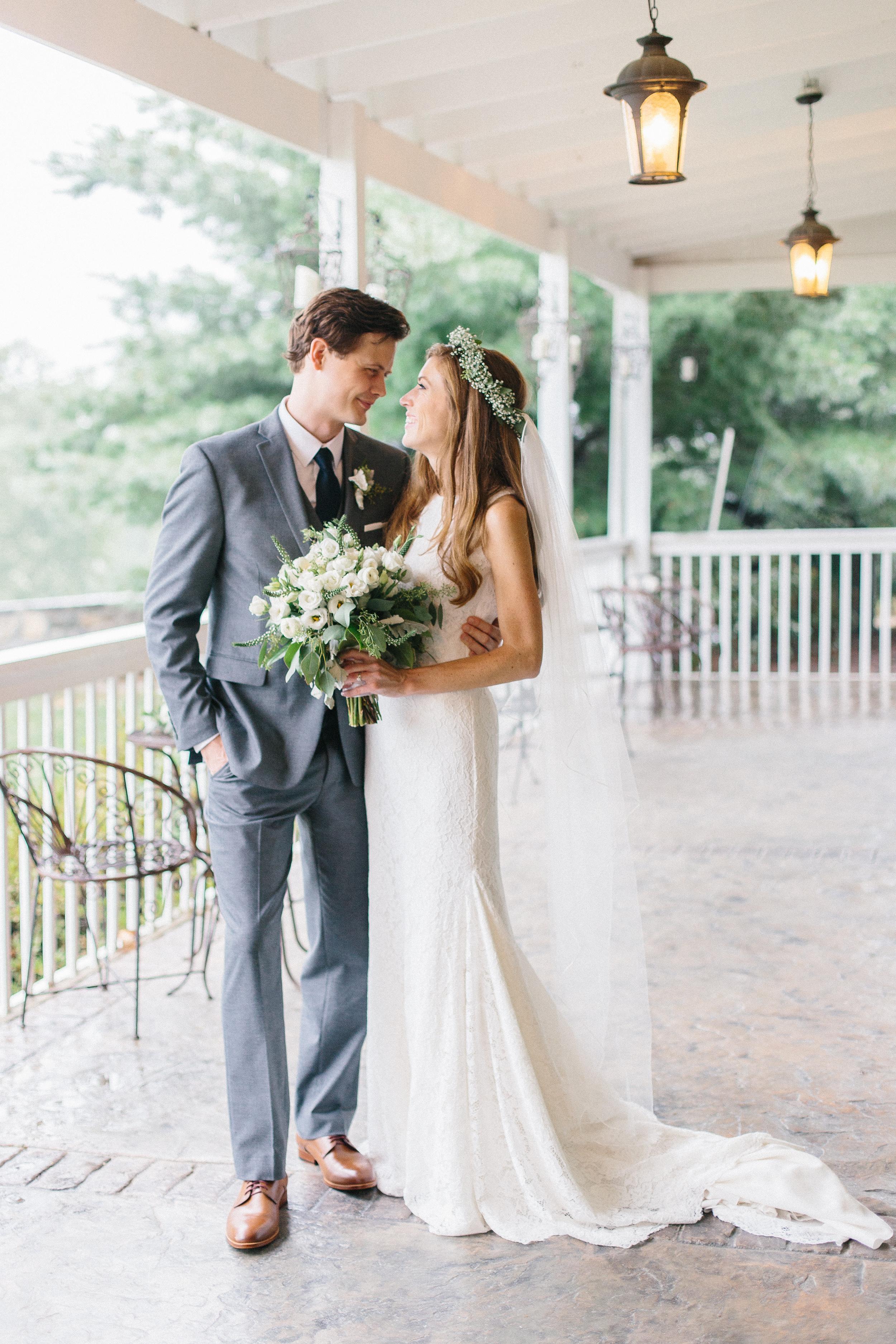 bride-and-groom-portrait-bluemont-vineyard