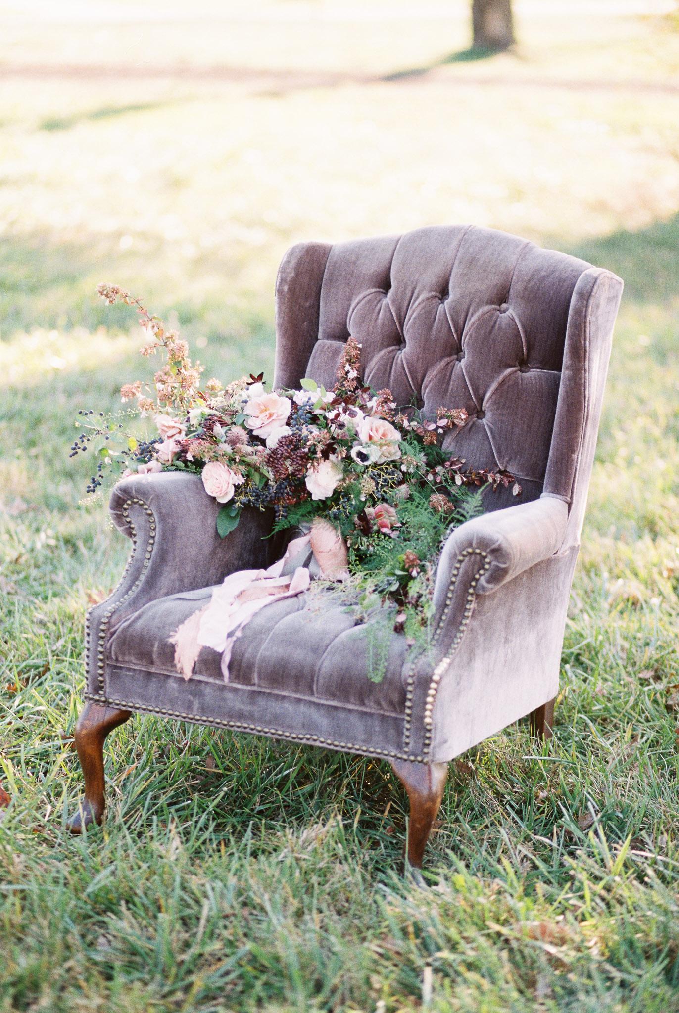something-vintage-rentals-purple-velvet-chair