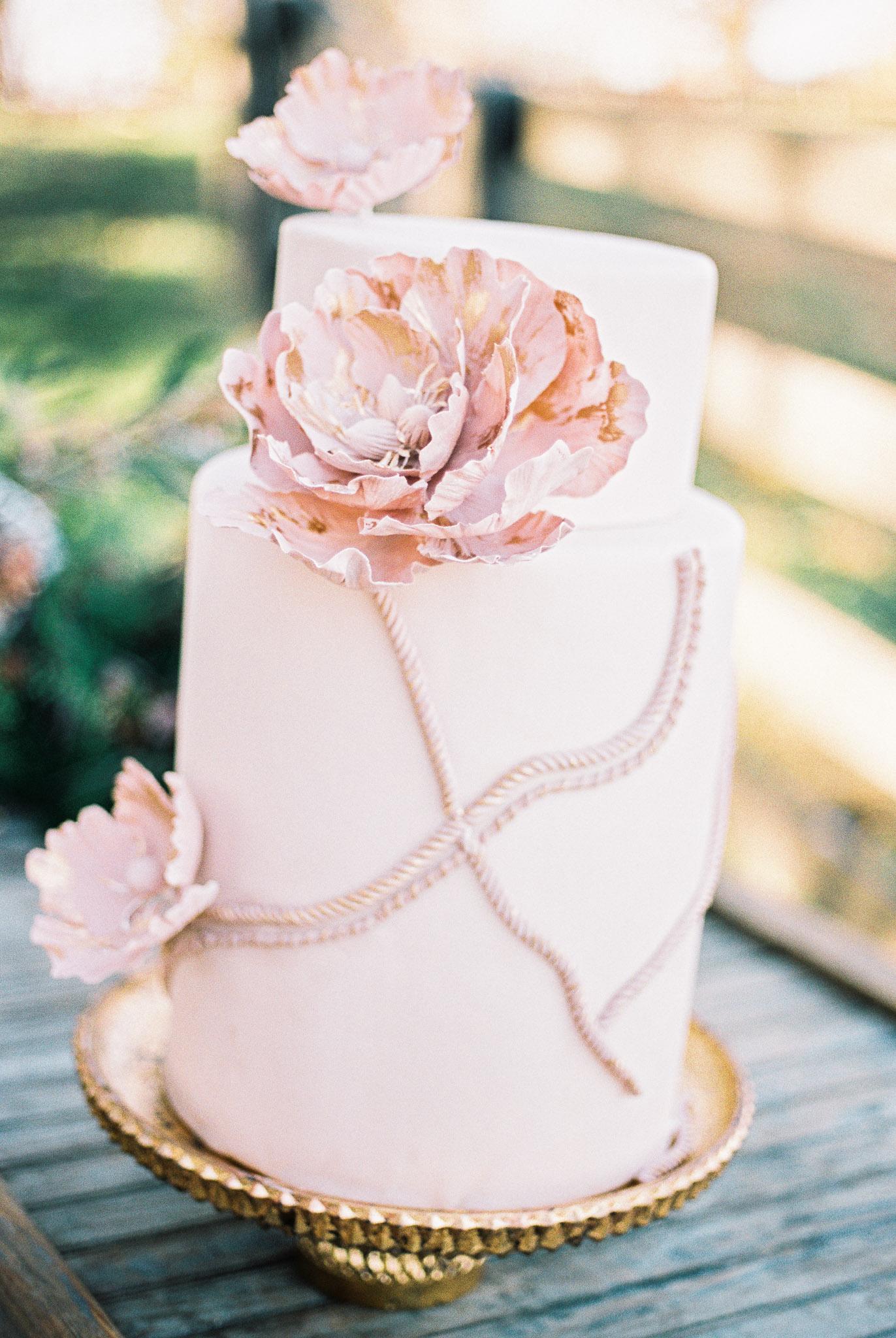 buttercream-bakeshop-pink-wedding-cake
