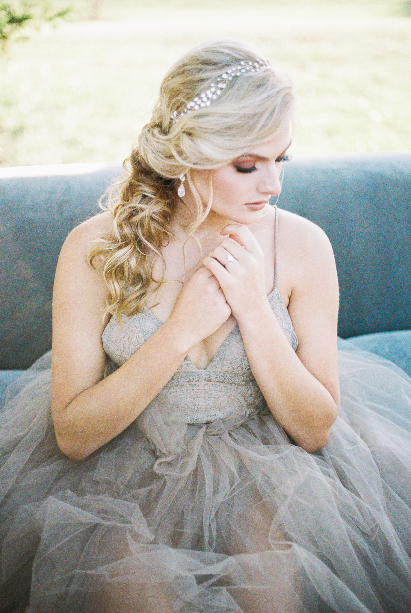 PSC-hair-artistry-bridal-hairstyle-with-accessories