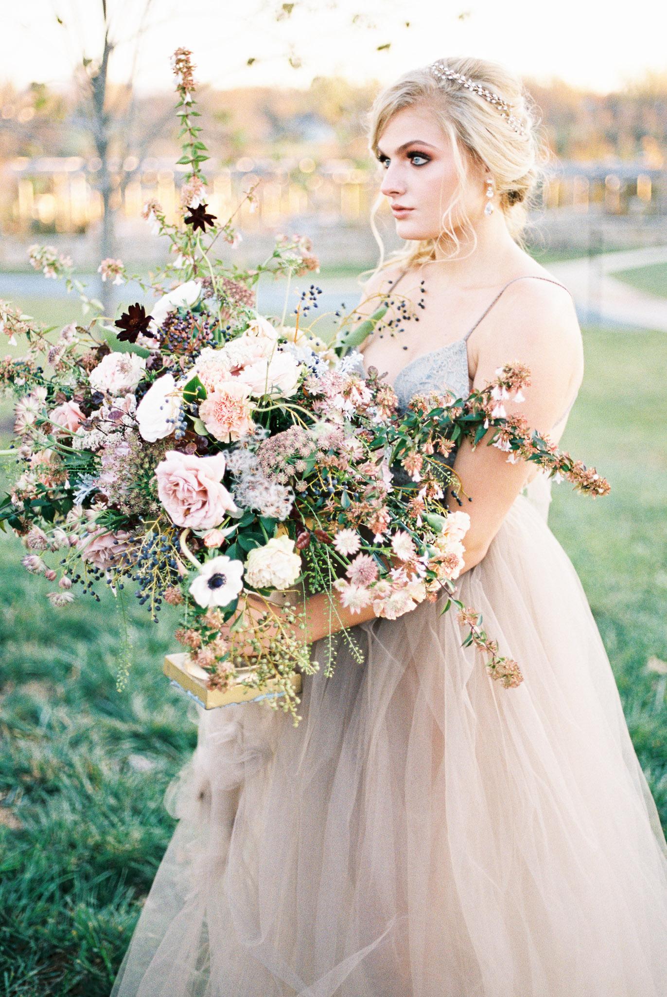 holly-chapple-flowers-ltd-fine-art-centerpiece