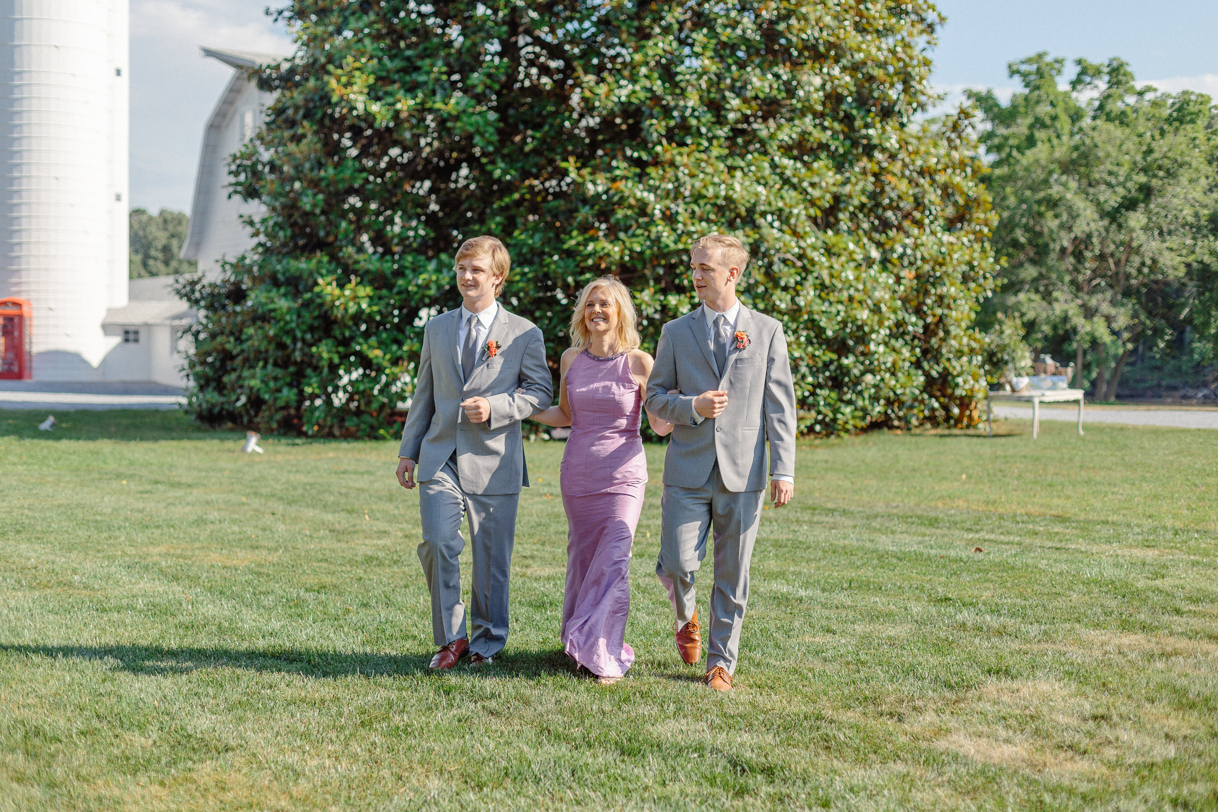 wedding-day-processional-ideas-examples-of-parents